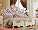 Set Kamar Tidur Mewah Klasikal Pink Italian Style Model Furniture